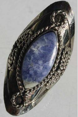 Bague avec pierre lapis-lazuli