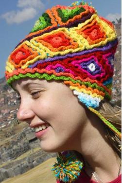 Bonnet peruvien Pachamama en laine d'alpaga
