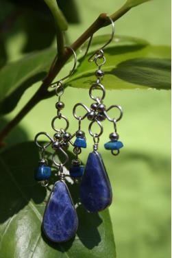 Boucles d'oreilles lapis-lazuli en pierre pierre.