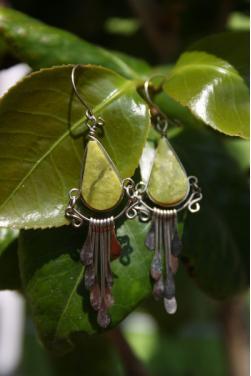 Boucles d'oreilles Tikca - en pierre serpentine.