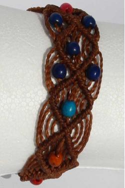 Bracelet en perles en bois