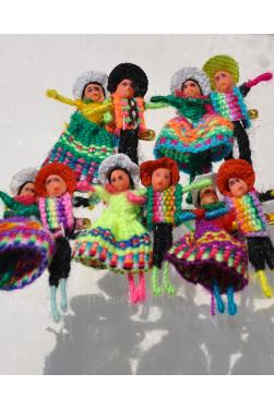 Broches poupés péruviennes