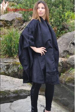 Manteau Cape du Perou avec son bonnet offert.