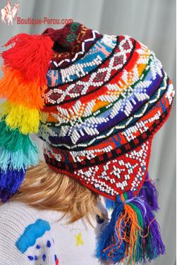 Bonnet péruvien enfant d'Ocongate, motifs roses