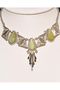 Collier Kuntur en pierre serpentine