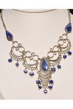 Collier Kantuta en lapis-lazuli.