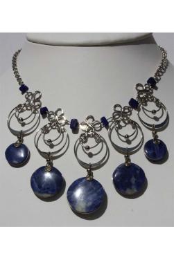 Collier colla avec pierre lapis-lazuli.