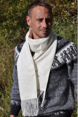 Echarpe en laine d'alpaga blanche