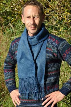 Echarpe en laine d'alpaga bleu indigo