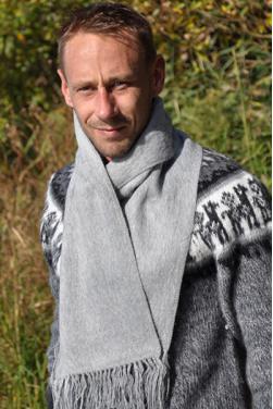 Echarpe en laine d'alpaga gris clair