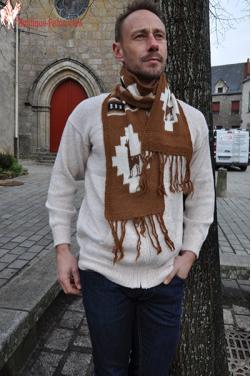 Écharpe homme figure Lama en lainé d'alpaga