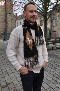 Écharpe noire tricoté main en laine d'alpaga