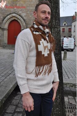 Echarpe marron fait main en laine d'alpaga