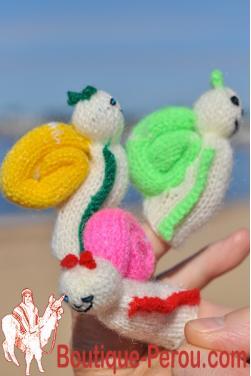 Marionnettes à doigt - Escargot vert, jaune et rose