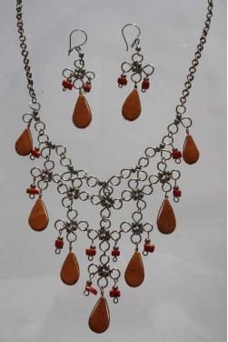 Parure collier et boucles d'oreilles en jaspe rouge