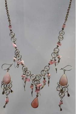 Parure bijoux Qosqo pierre quartz rose