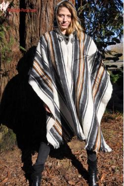 Poncho femme blanc des Andes