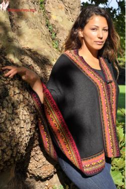 Poncho femme noir en laine d'alpaga