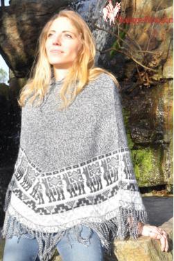 Poncho femme mi-long gris souris
