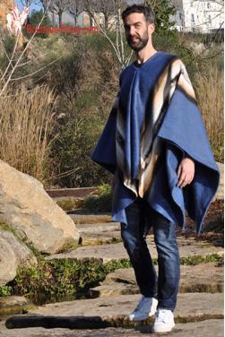 Poncho du Pérou en laine d'alpaga.