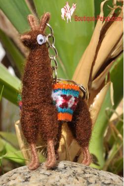 Porte clefs lama chocolat fait main en laine d'alpaga