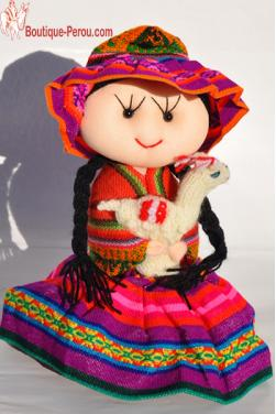 Poupée péruvienne faite en tissu ancien.