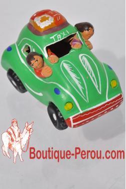 Taxi péruvien vert en céramique.
