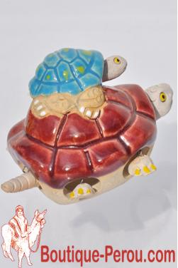 Tortue marron bordeaux