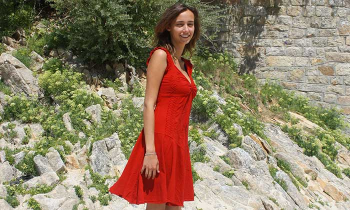 Robe-peruvienne-rouge-en-coton-naturel